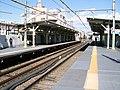 Keikyu-railway-main-line-Umeyashiki-station-platform-20081119.jpg