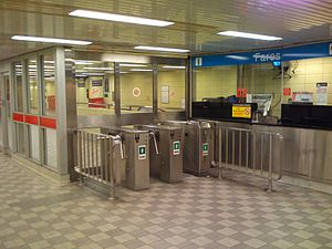 King station - Closed turnstiles at Melinda Street