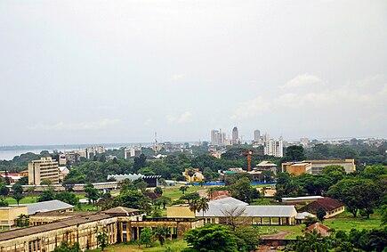 Вид на Киншасу и реку Конго