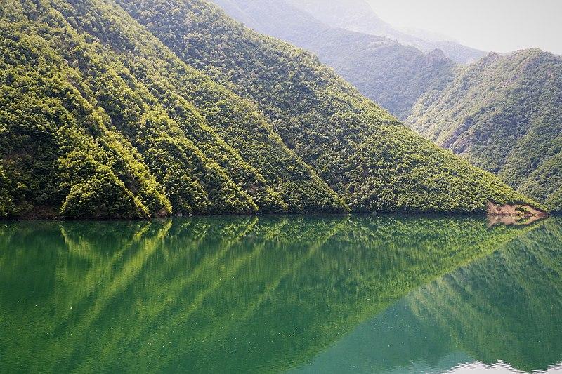 File:Koman Ferry (44815711665).jpg