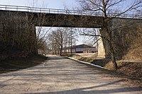 Královice (u Zlonic) - železniční viadukt trati 110 (1).jpg