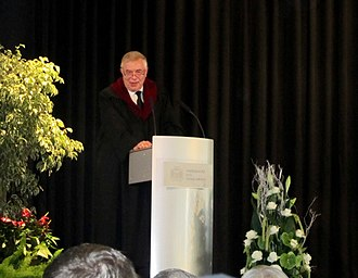 Europa-Institut - Director Werner Meng holding a speech during LL.M. graduation ceremony