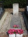 Laires (Pas-de-Calais) tombe de guerre CWGC.JPG