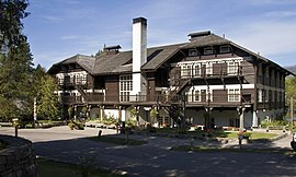 Lake Mcdonald Lodge >> Lake Mcdonald Lodge Wikipedia