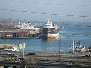 Lake freighter Quebecois, Toronto, 2012 03 21 -t.jpg