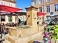 Langres. Fontaine au centre ville.jpg