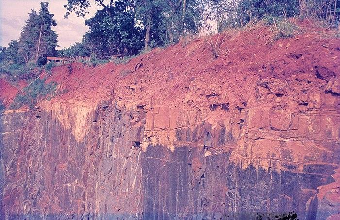 Laterite formation on basalt