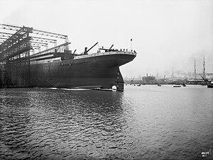 Launching of Titanic 2.jpg