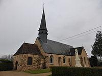 Le monument aux morts et l'église Notre-Dame.JPG