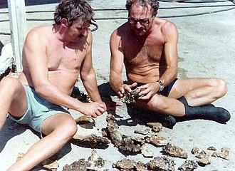 Robert F. Marx - In the left Bob Marx with the Israeli marine archaeologist Elisha Linder