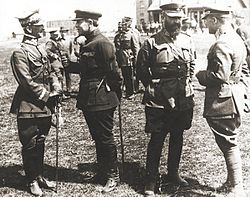 Symon Petlura i gen. Antoni Listowski wśród żołnierzy polskich - wyprawa kijowska - kwiecień 1920