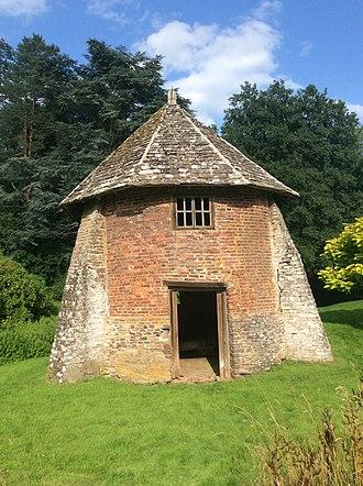 Llanvihangel Court - The Garden House