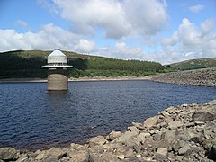 Llyn Celyn dam and tower w.JPG