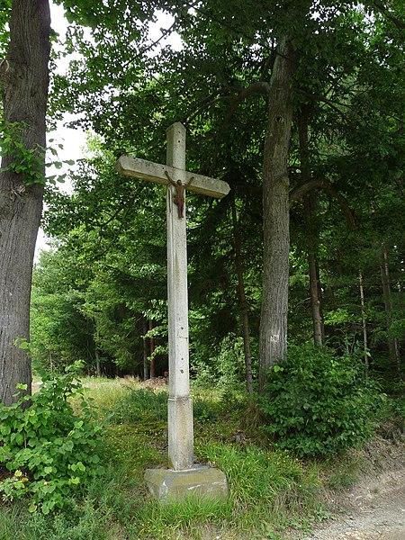 File:Lniště - kříž.jpg