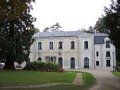 How to get to Louveciennes with public transit - About the place