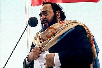 Luciano Pavarotti - Image: Luciano Pavarotti in Saint Petersburg
