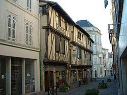 Maison à colombage Saint-Jean-d'Angely.jpg