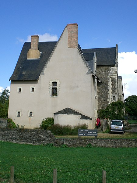 Manoir de la Corne-de-Cerf, actuelle Maison de l'Environnement d'Angers, Maine-et-Loire, France. Construit au 15e siècle, il est situé à côté du Lac de Maine.