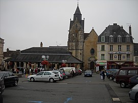 Carnot Square at the town center