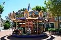 Manège pour enfants - place des Arts (Villefranche-sur-Saône).jpg