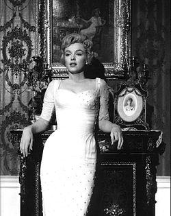 """Marilyn en la película de 1957 """"El príncipe y la corista""""."""