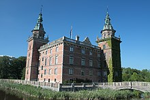 Marsvinsholm Castle close.jpg