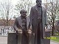 Marx-Engels Denkmal 2010.JPG