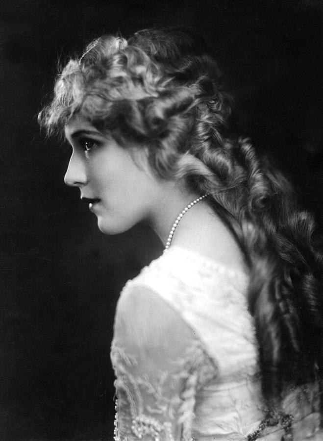 Mary Pickford photograph