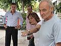 Mauricio Macri dialogó con vecinos del barrio Naón (8426753299).jpg