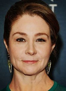 Megan Follows (reign).jpg