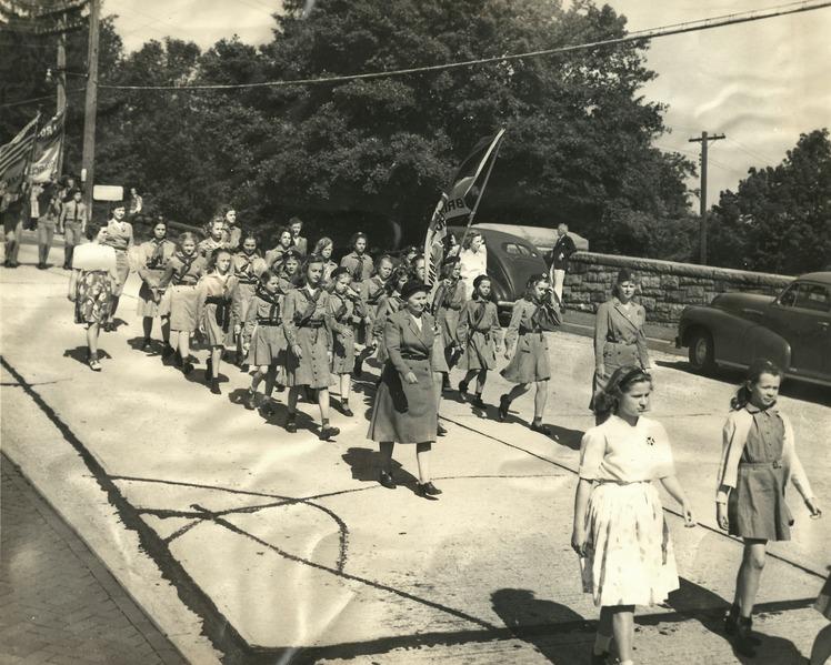 File:Memorial Day Parade in Briarcliff Manor (1945).tiff
