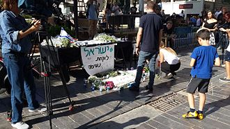 June 2016 Tel Aviv shooting - A makeshift monument in memorial of the victims at the site of the attack