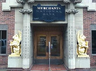 Merchants' National Bank - Image: Merchants National Bank entrance Grinnell IA
