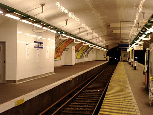 Metro de Paris - Ligne 7 - Louis Blanc 01