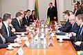 Ministru prezidents Valdis Dombrovskis tiekas ar Lietuvas premjerministru Aļģirdu Butkeviču (8367434534).jpg