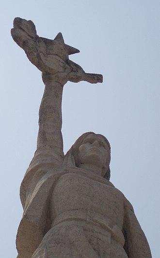 Mother Albania (statue) - Image: Mother Albania Tirana 3