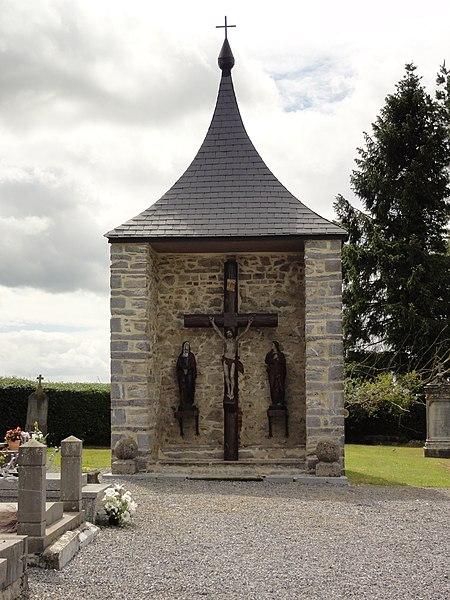 Moustier-en-Fagne (Nord, Fr) calvaire du cimetière