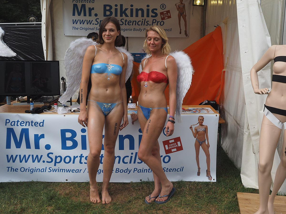 File Mr Bikini Body Painting At Wbf 2019 Jpg Wikimedia Commons