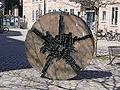 Nürnberg Rosa-Luxemburg-Platz Skulptur 1.jpg