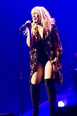 Natasha Bedingfield - 2016330220635 2016-11-25 Night of the Proms - Sven - 1D X - 0493 - DV3P2633 mod.jpg