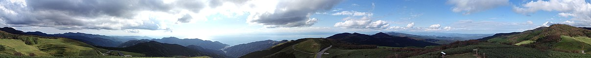 Nishina pass Panorama 20110923.jpg