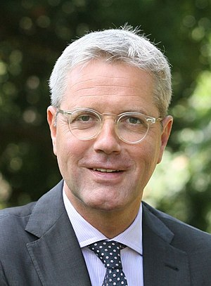 Norbert Röttgen 2012 (portrait crop).jpg