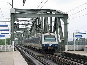 Vienna S-Bahn - A class 4020 EMU at Wien Handelskai