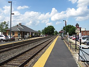 Norwood Central MBTA station, Norwood MA.jpg