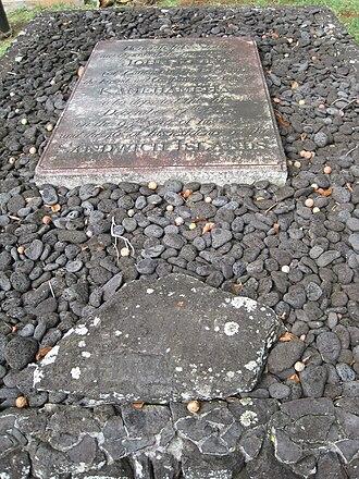 John Young (Hawaii) - Plaque atop John Young's grave