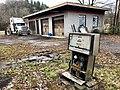 Old HJ Davis Phillips 66 Service Station, Whittier, NC (46641287741).jpg