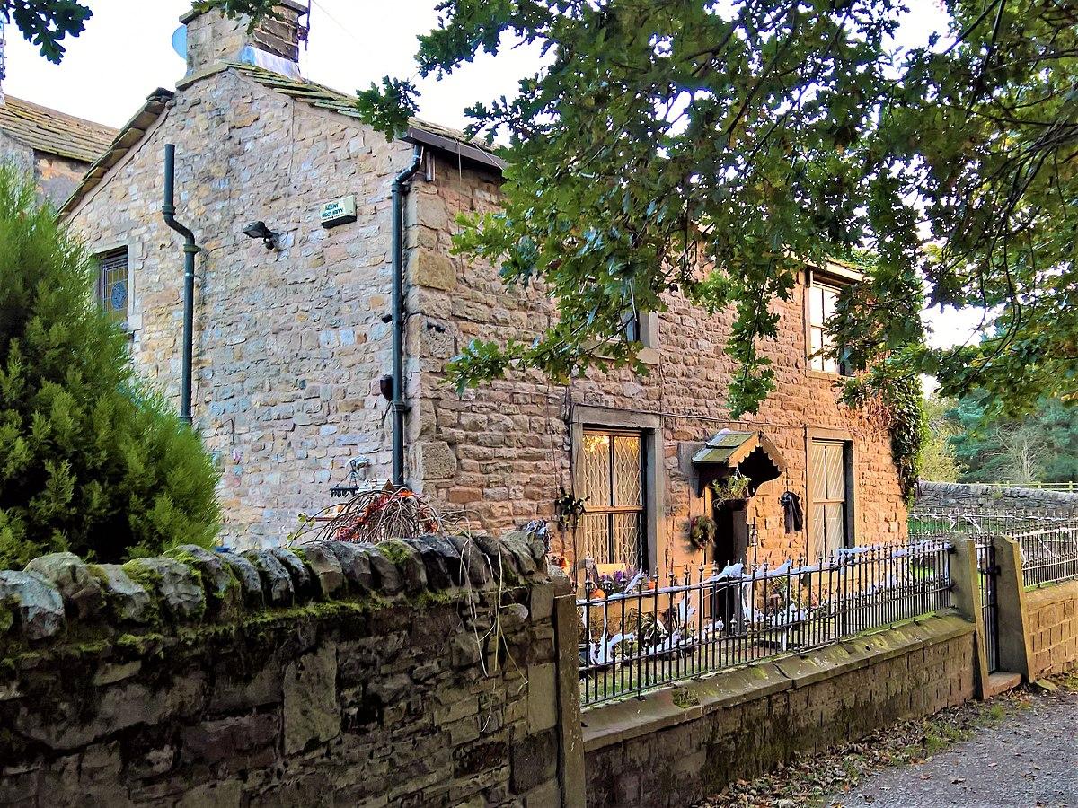 Old Oak Cottage, Burnley.jpg
