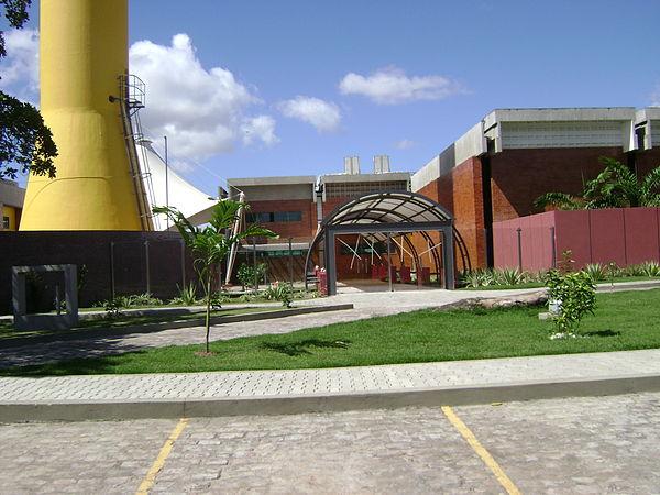 d517006656181 Faculdade UNEF, considerada umas das melhores faculdade particulares do  estado da Bahia e está entre