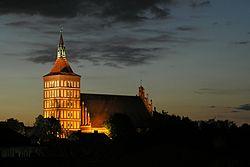 Olsztyn Katedra noc.jpg