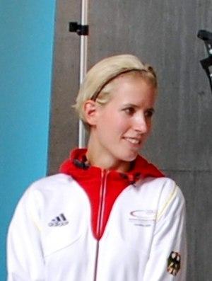 Kristin Silbereisen - Image: Olympiaeinkleidung Bilder Kristin Silbereisen 140 (cropped)